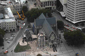 300px-ChristChurch_Cathedral_-_2011_earthquake_damage